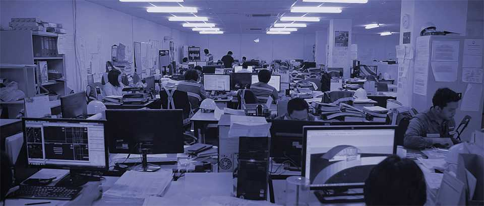 Architects in an office using FINALCAD For AutoCAD