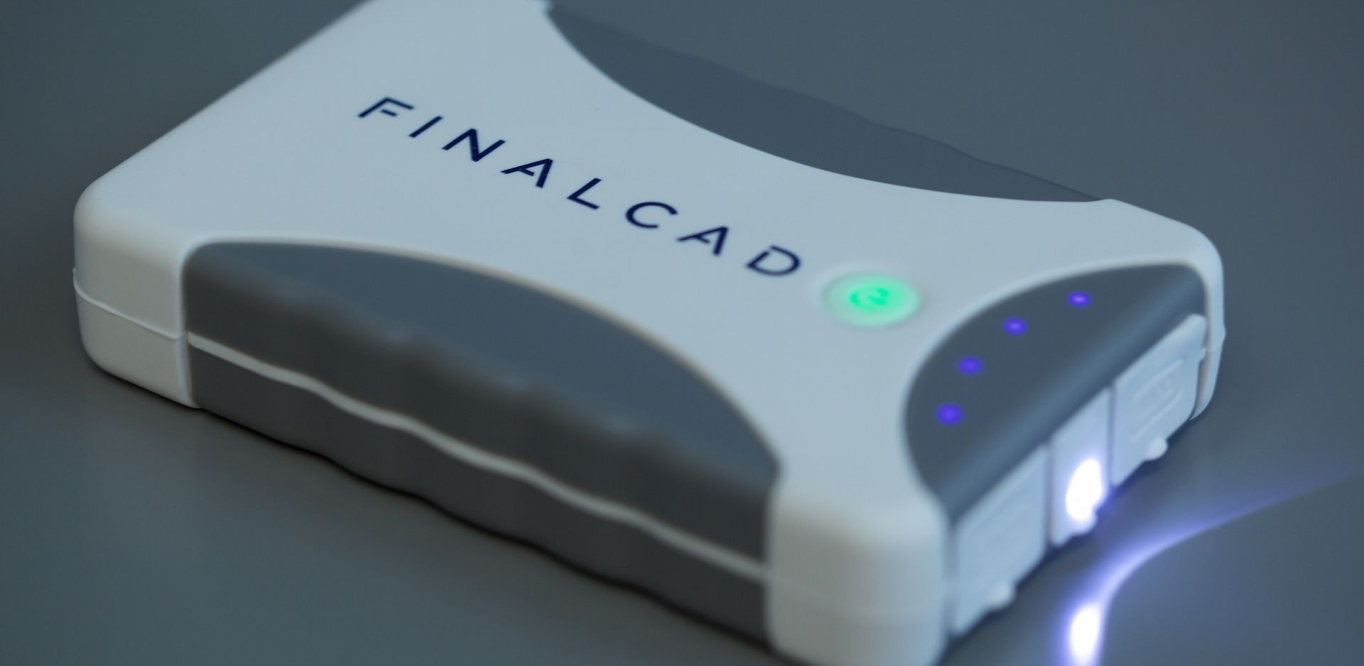 finalcad-powerbank-069878-edited.jpg