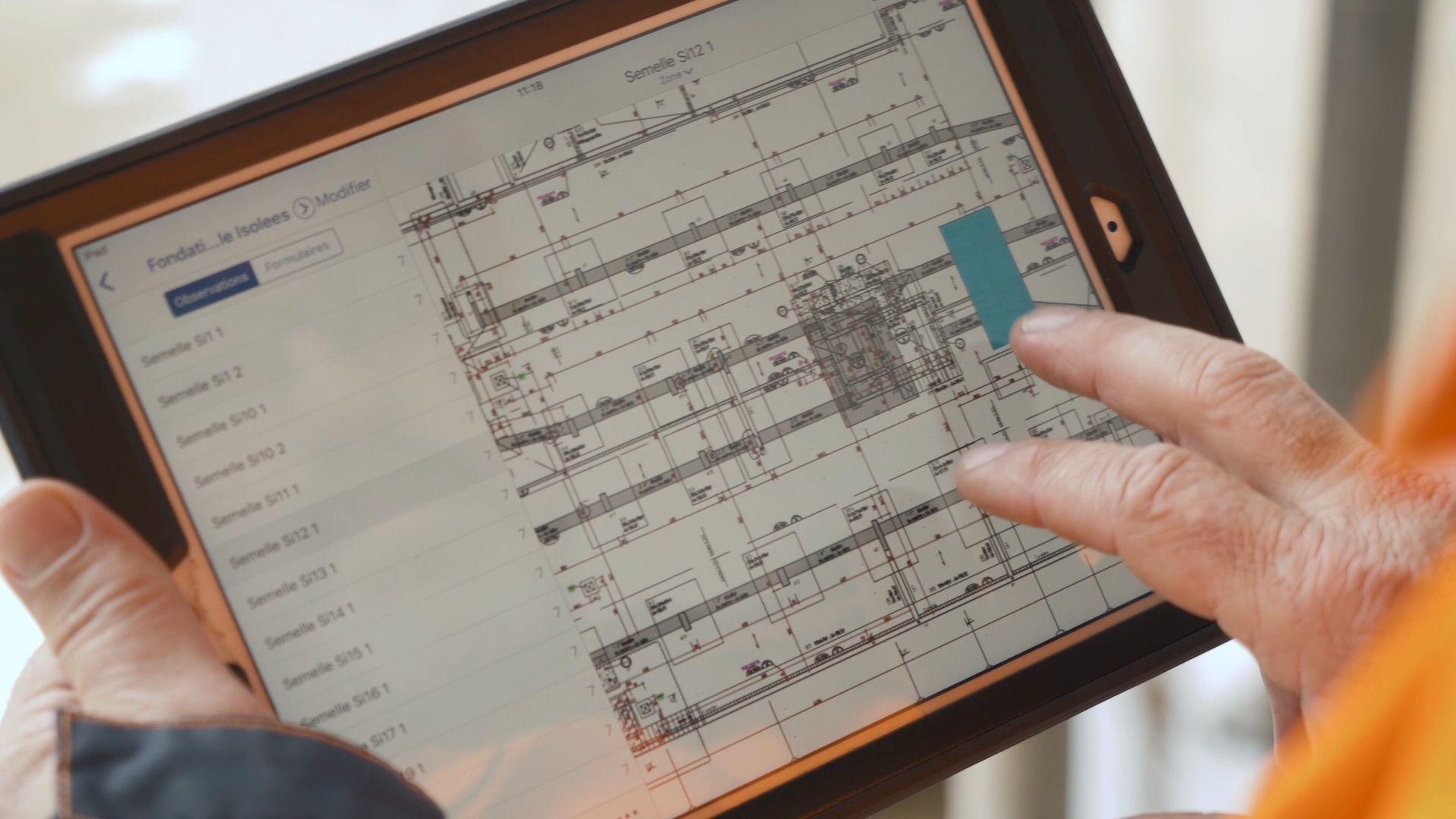 tralux_tablet.jpg